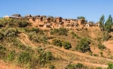 Village-malgache-typique-Hauts-Plateaux